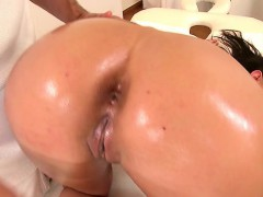 Wet girl extreme anal sex