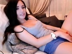 Incredibly Hot Webcam Girl Chatting